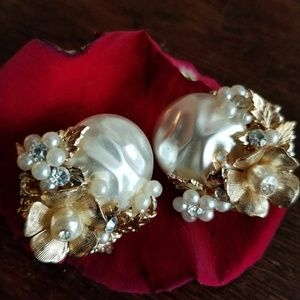 Vintage Coro Clip Earrings Gold Tone
